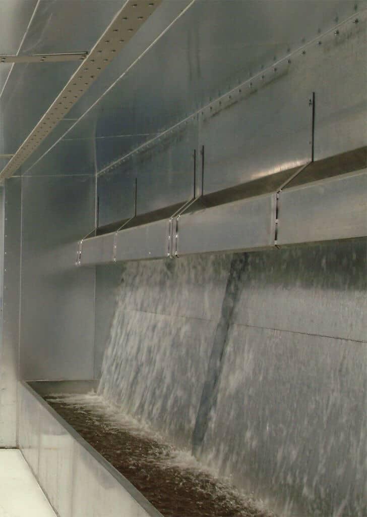Water wash spray booths