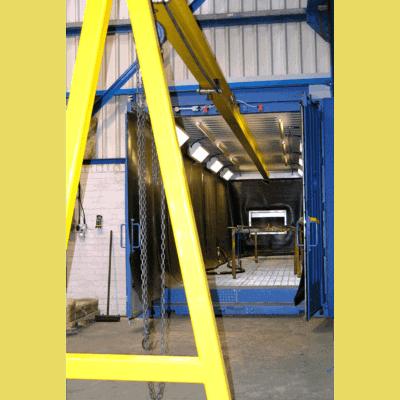 Blast room overhead loading system